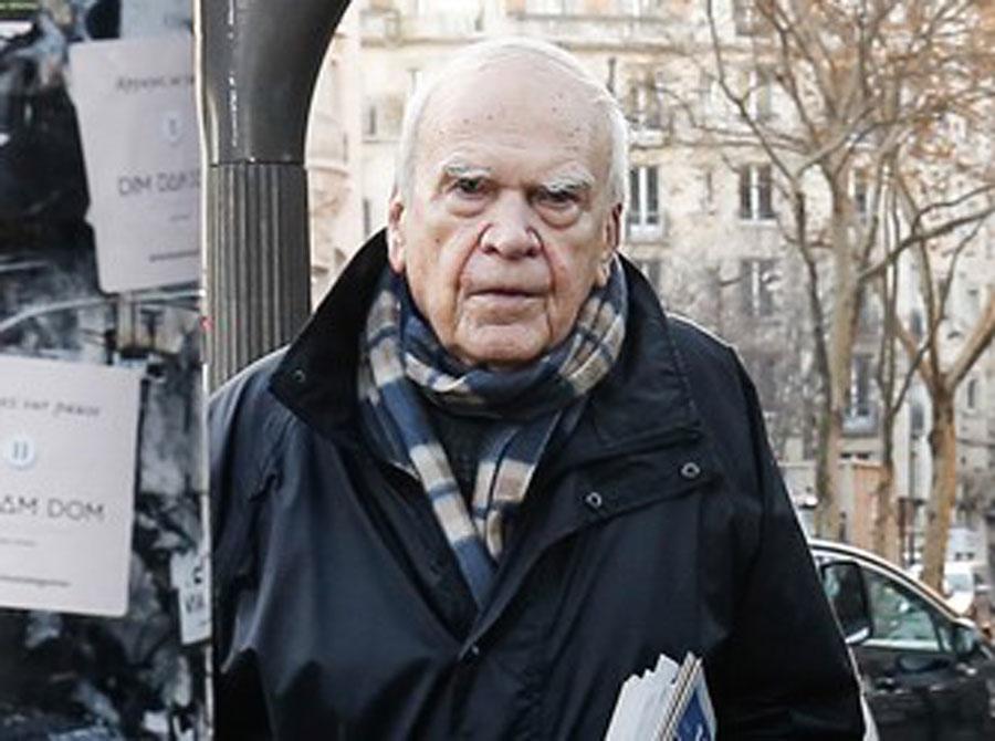 Milan Kundera ponovo češki državljanin: Slavnom piscu posle 40 godina  vraćen status | Nedeljnik